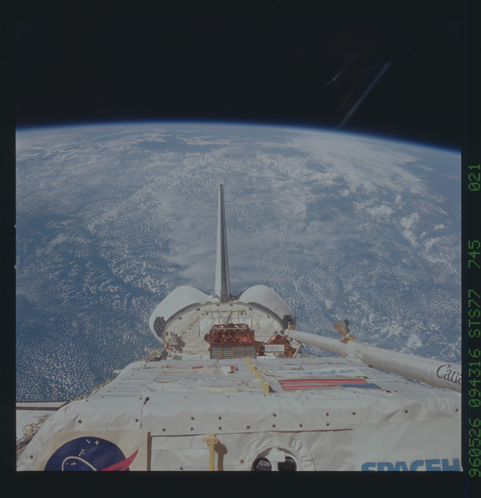 STS077-745-021 - STS-077 - View of the Endeavour's payload bay