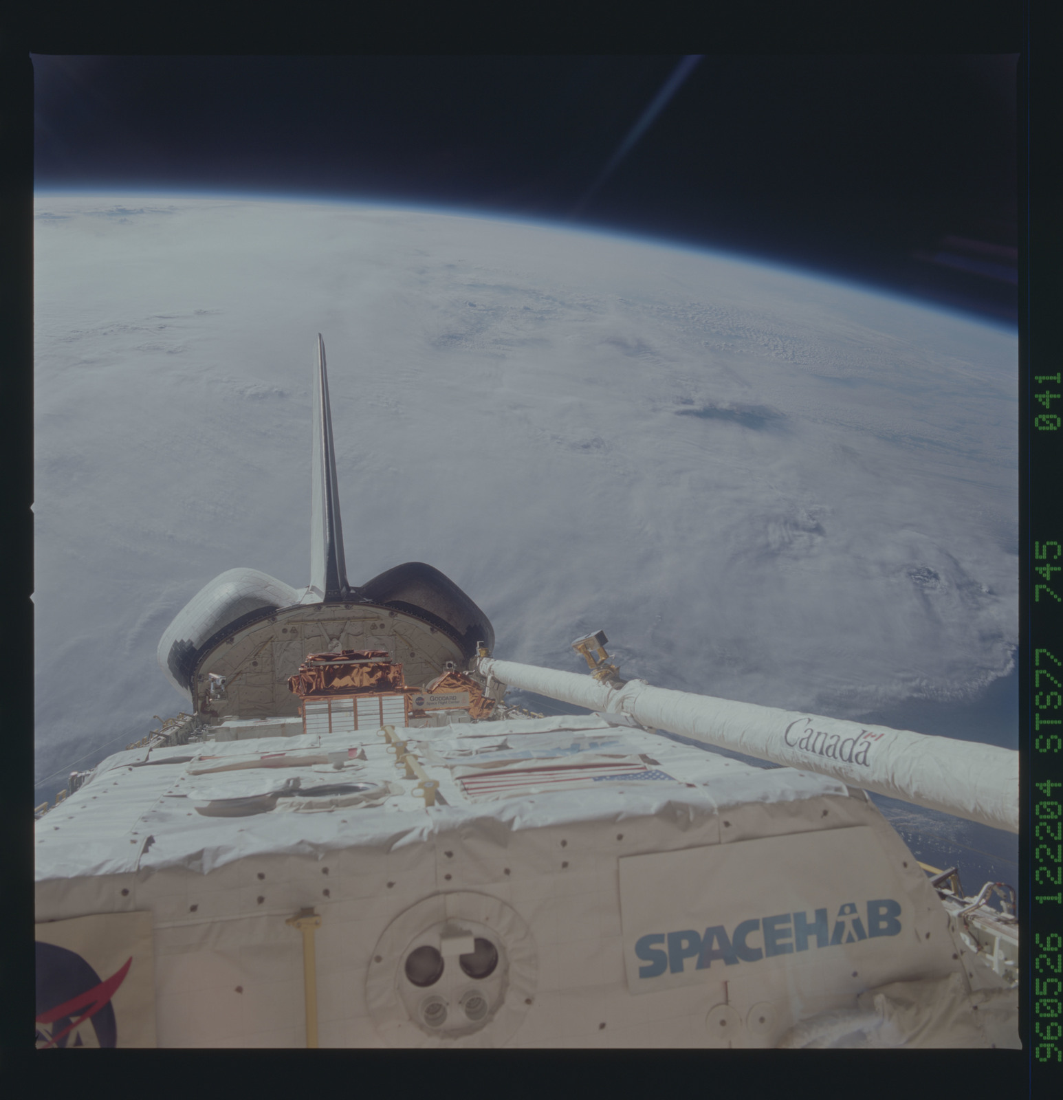 STS077-745-041 - STS-077 - View of the Endeavour's payload bay