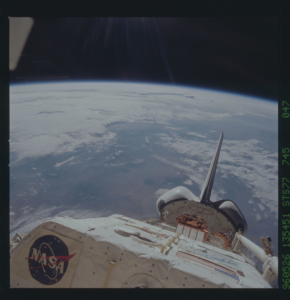 STS077-745-047 - STS-077 - View of the Endeavour's payload bay