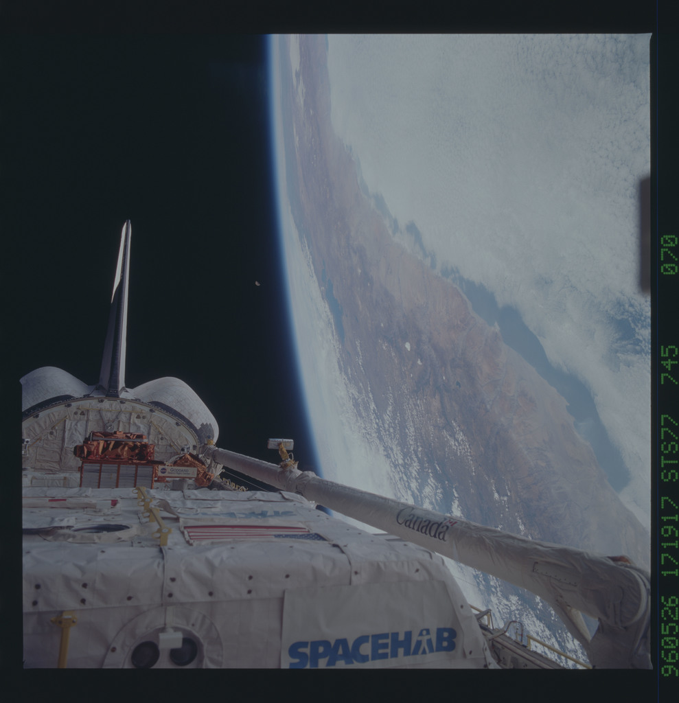 STS077-745-070 - STS-077 - View of the Endeavour's payload bay