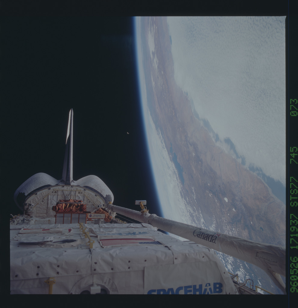 STS077-745-073 - STS-077 - View of the Endeavour's payload bay