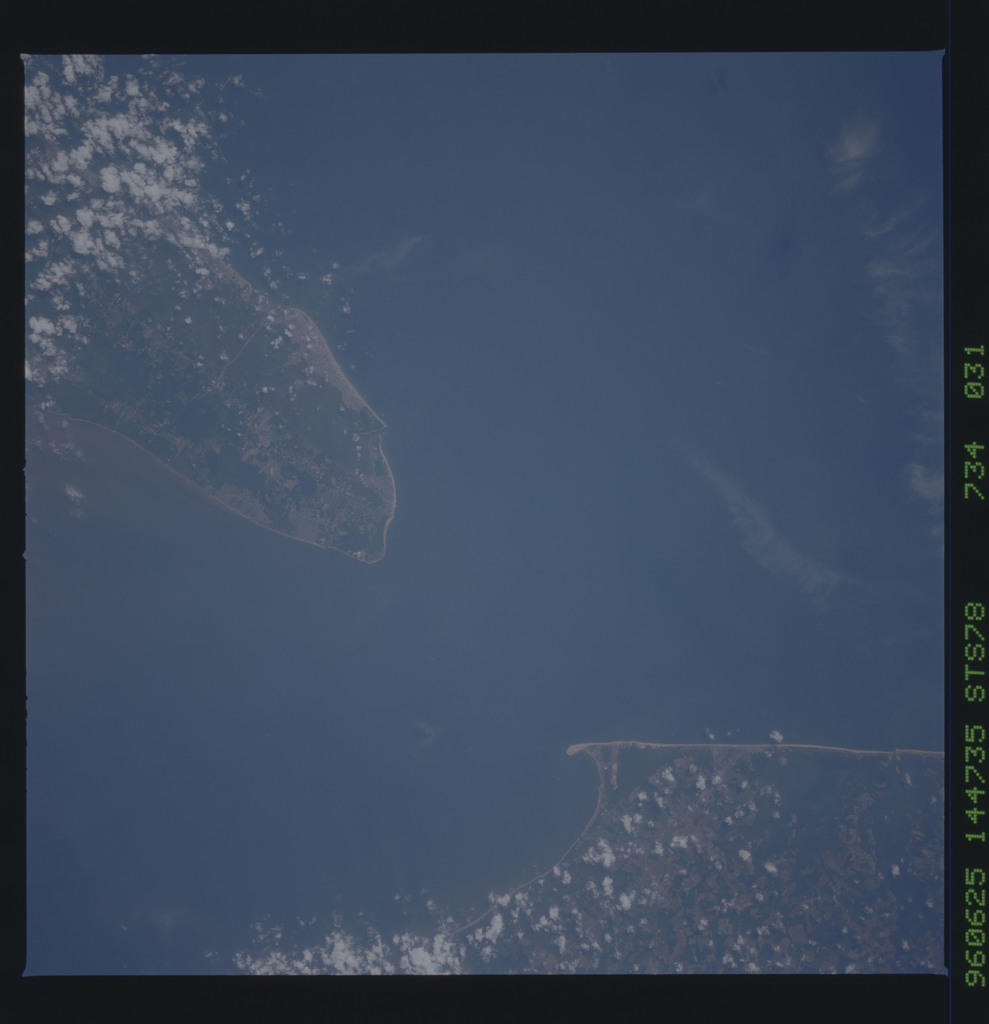 STS078-734-031 - STS-078 - Earth observations taken from Space Shuttle Columbia during STS-78 mission