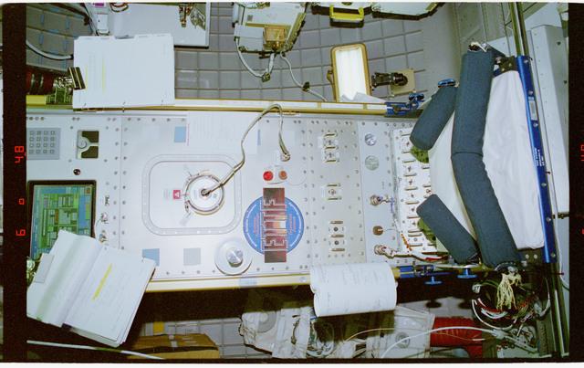 STS079-309-004 - STS-079 - ETTF - Extreme Temperature Translation Furnace