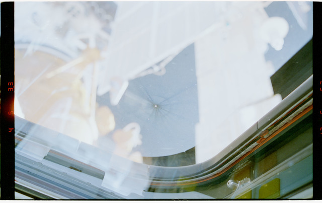 STS079-323-010 - STS-079 - View of damage to aft flight deck windows on shuttle Atlantis