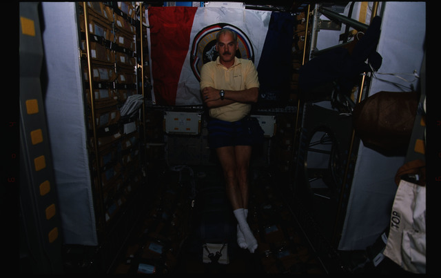 STS079-326-006 - STS-079 - Candid views of the STS-79 crew on the orbiter Atlantis
