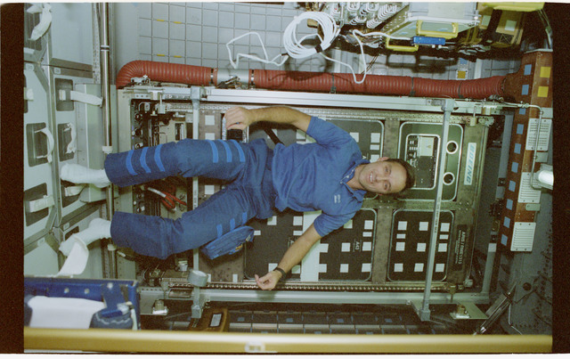 STS079-364-037 - STS-079 - Astronauts Walz and Apt in Spacehab with the ARIS module