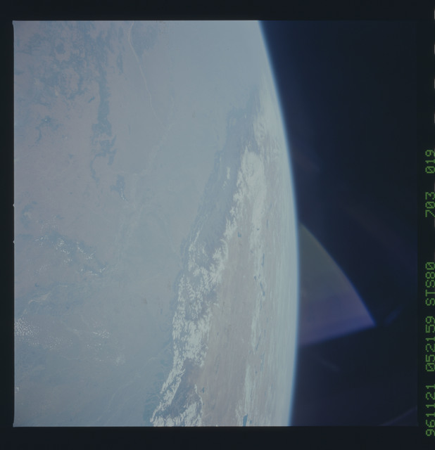 STS080-703-019 - STS-080 - Earth observations taken from Space Shuttle Columbia during STS-80 mission