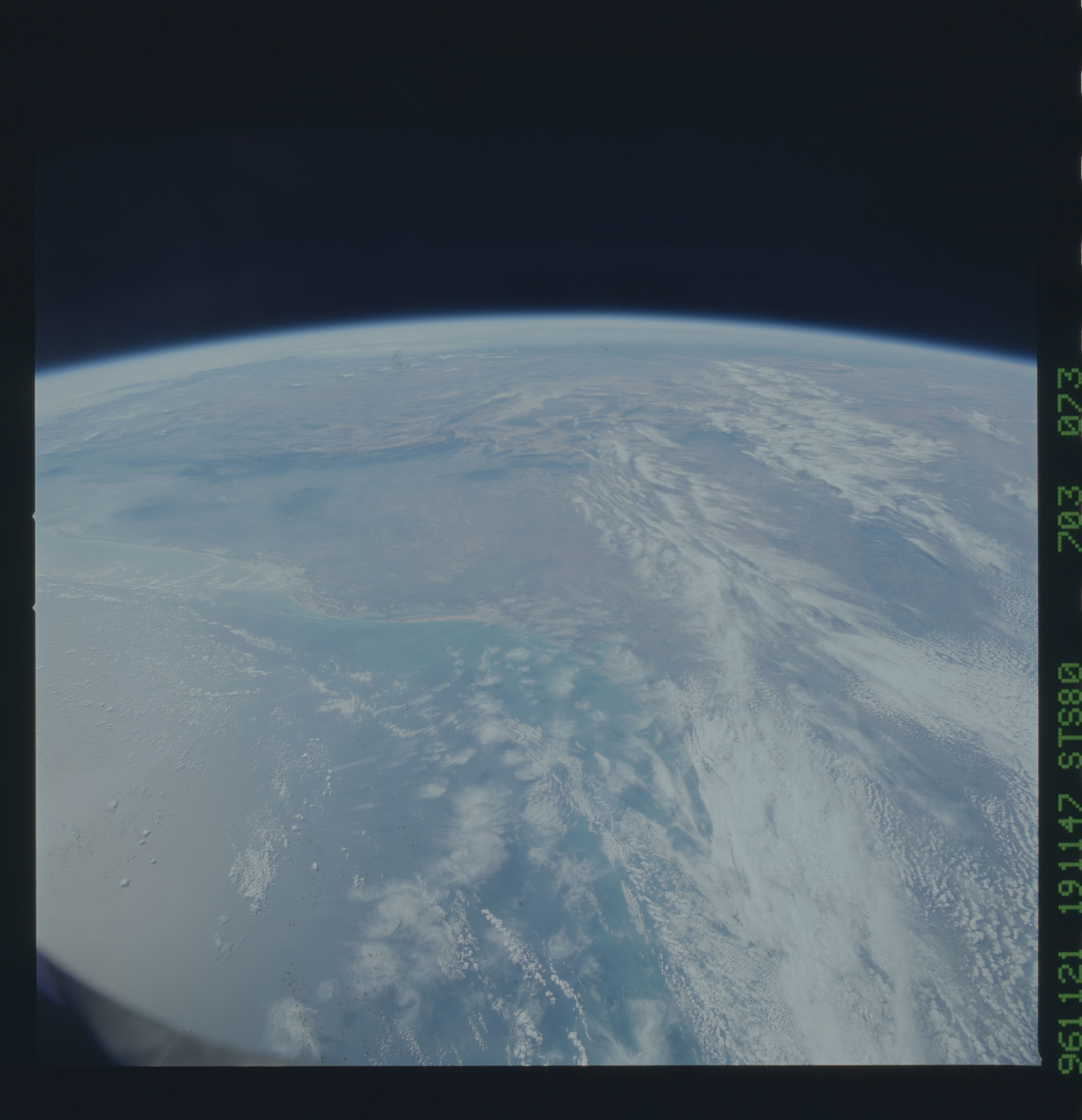 STS080-703-073 - STS-080 - Earth observations taken from Space Shuttle Columbia during STS-80 mission