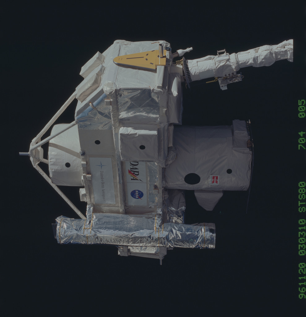 STS080-704-005 - STS-080 - ORFEUS-SPAS, deployment on end of RMS arm