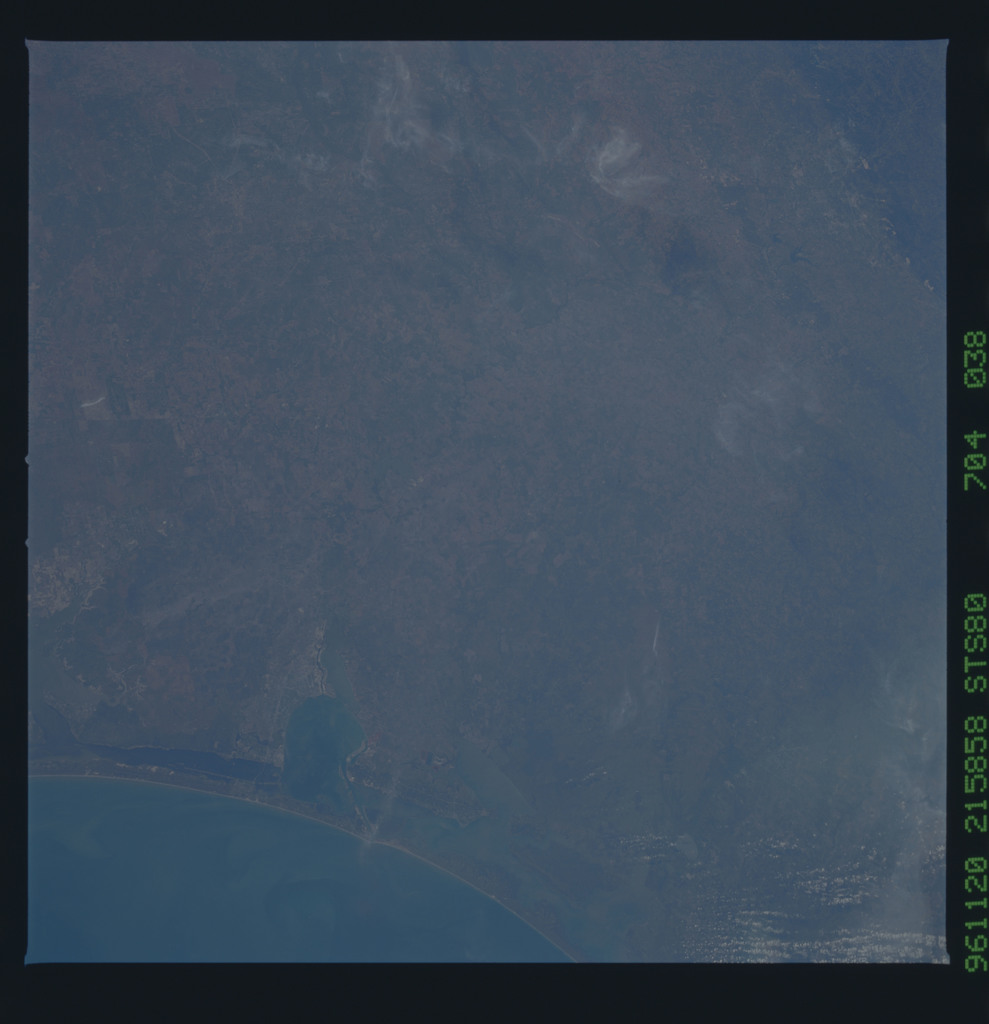 STS080-704-038 - STS-080 - Earth observations taken from Space Shuttle Columbia during STS-80 mission