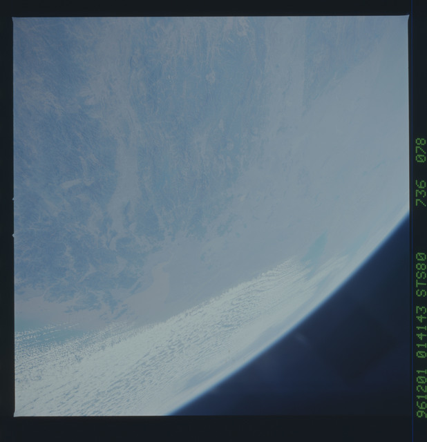 STS080-736-078 - STS-080 - Earth observations taken from Space Shuttle Columbia during STS-80 mission