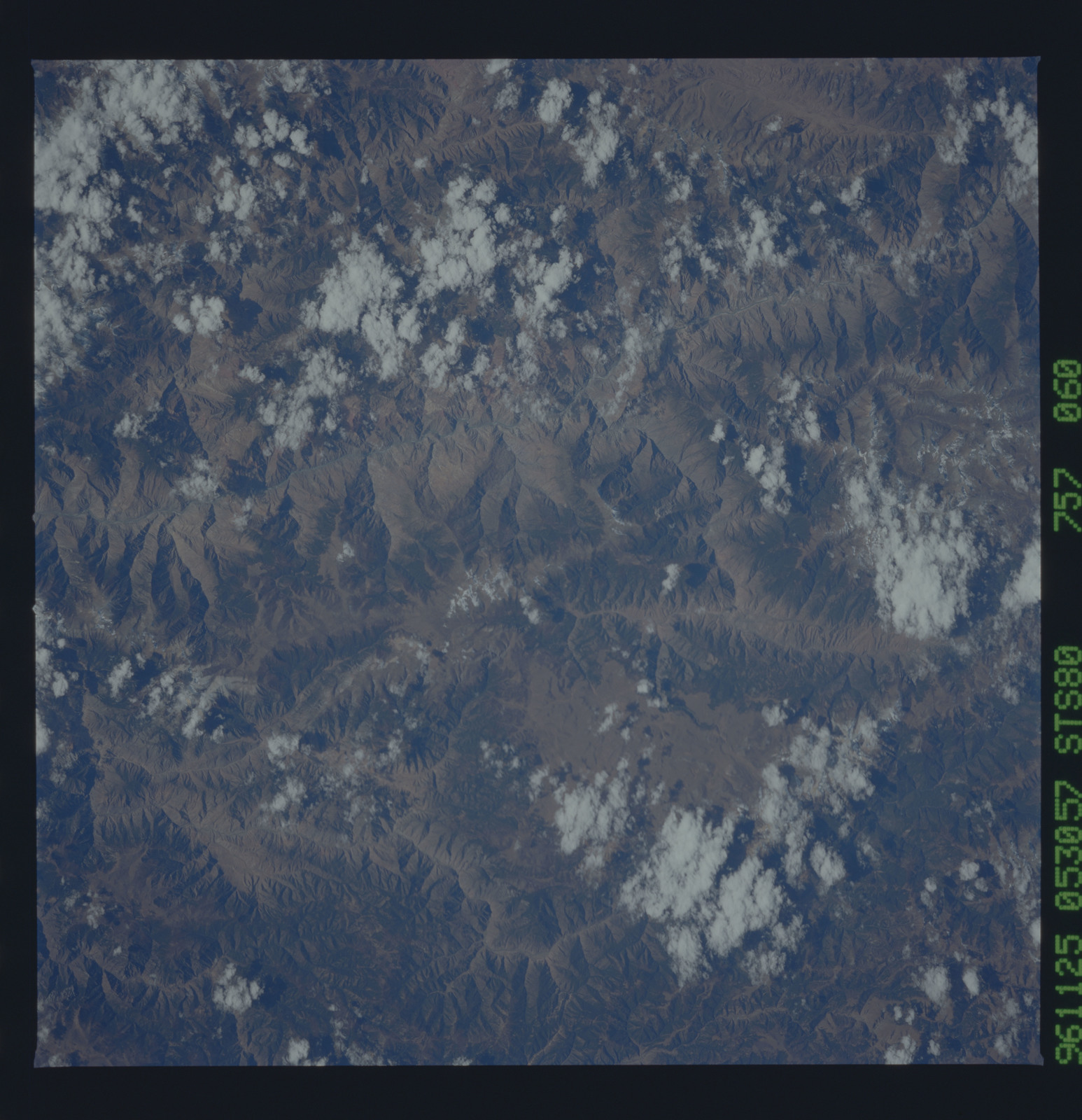STS080-757-060 - STS-080 - Earth observations taken from Space Shuttle Columbia during STS-80 mission