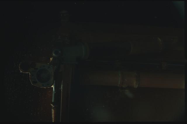 STS080-ET390-013 - STS-080