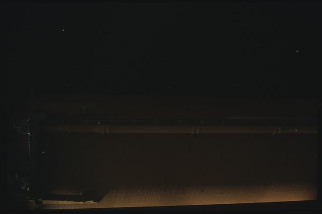 STS080-ET390-046 - STS-080