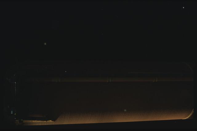 STS080-ET390-050 - STS-080