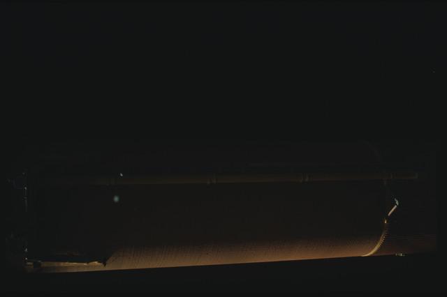 STS080-ET390-057 - STS-080