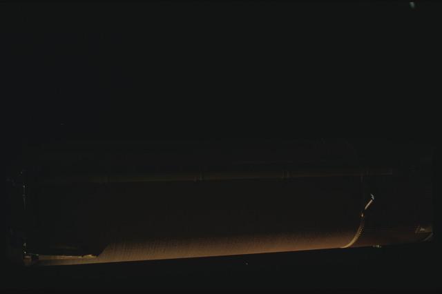 STS080-ET390-060 - STS-080