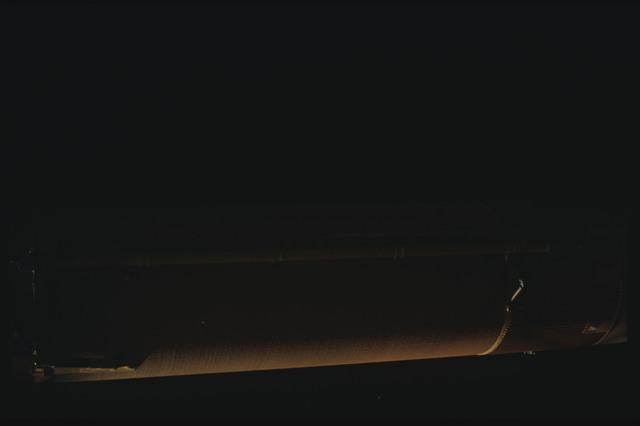 STS080-ET390-062 - STS-080
