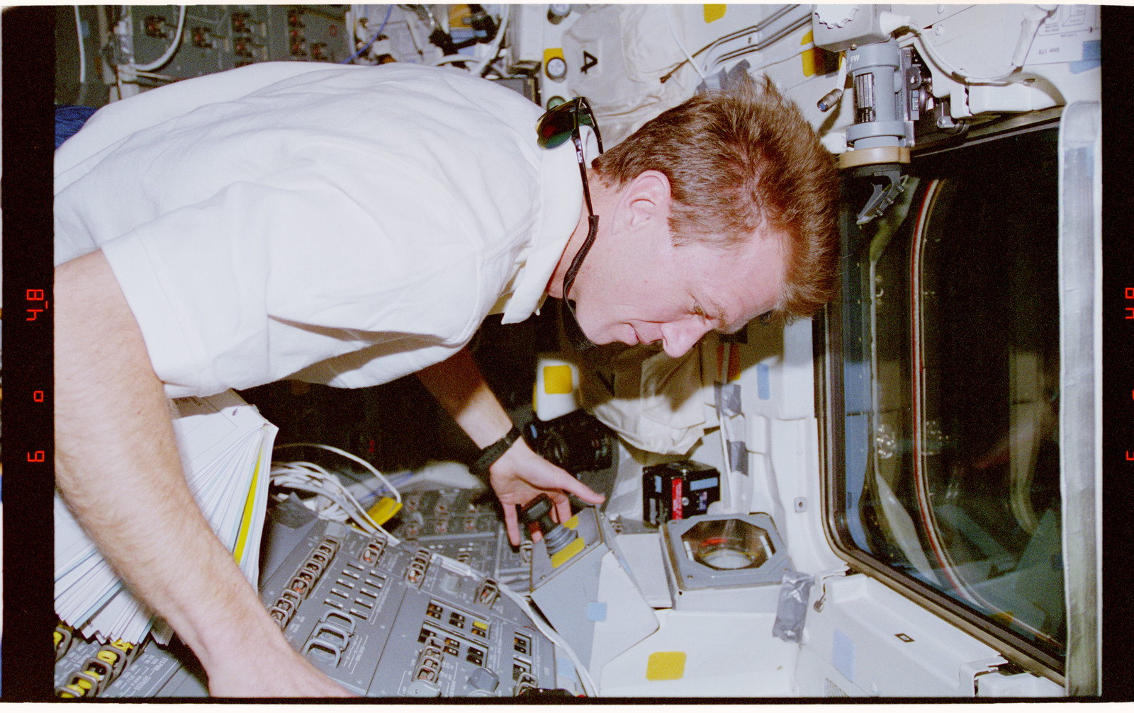 STS081-311-025 - STS-081 - STS-81 crew activities during undocking with Mir space station