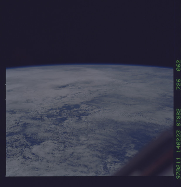 STS082-726-062 - STS-082 - Earth observations taken from shuttle orbiter Discovery during STS-82 mission