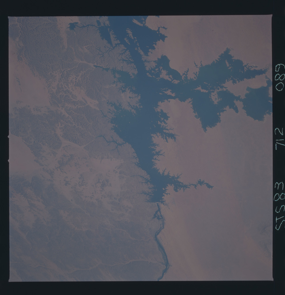 STS083-712-089 - STS-083 - Earth observations taken during STS-83 mission