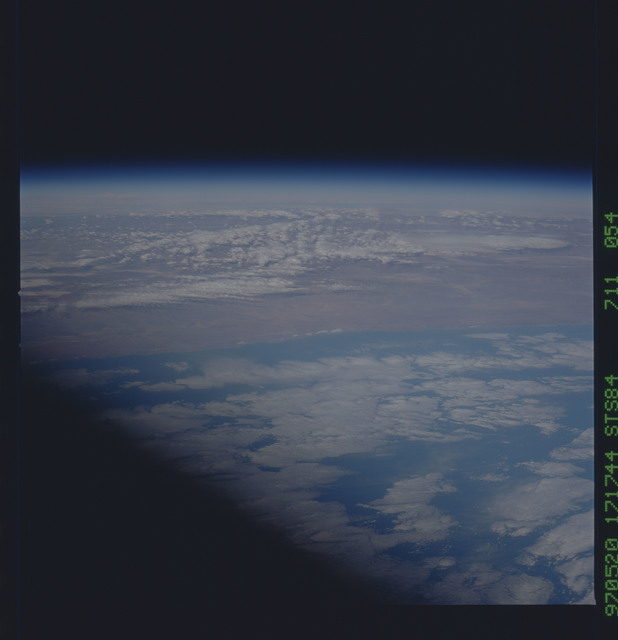 STS084-711-054 - STS-084 - Earth observations taken from shuttle orbiter Atlantis during STS-84 mission