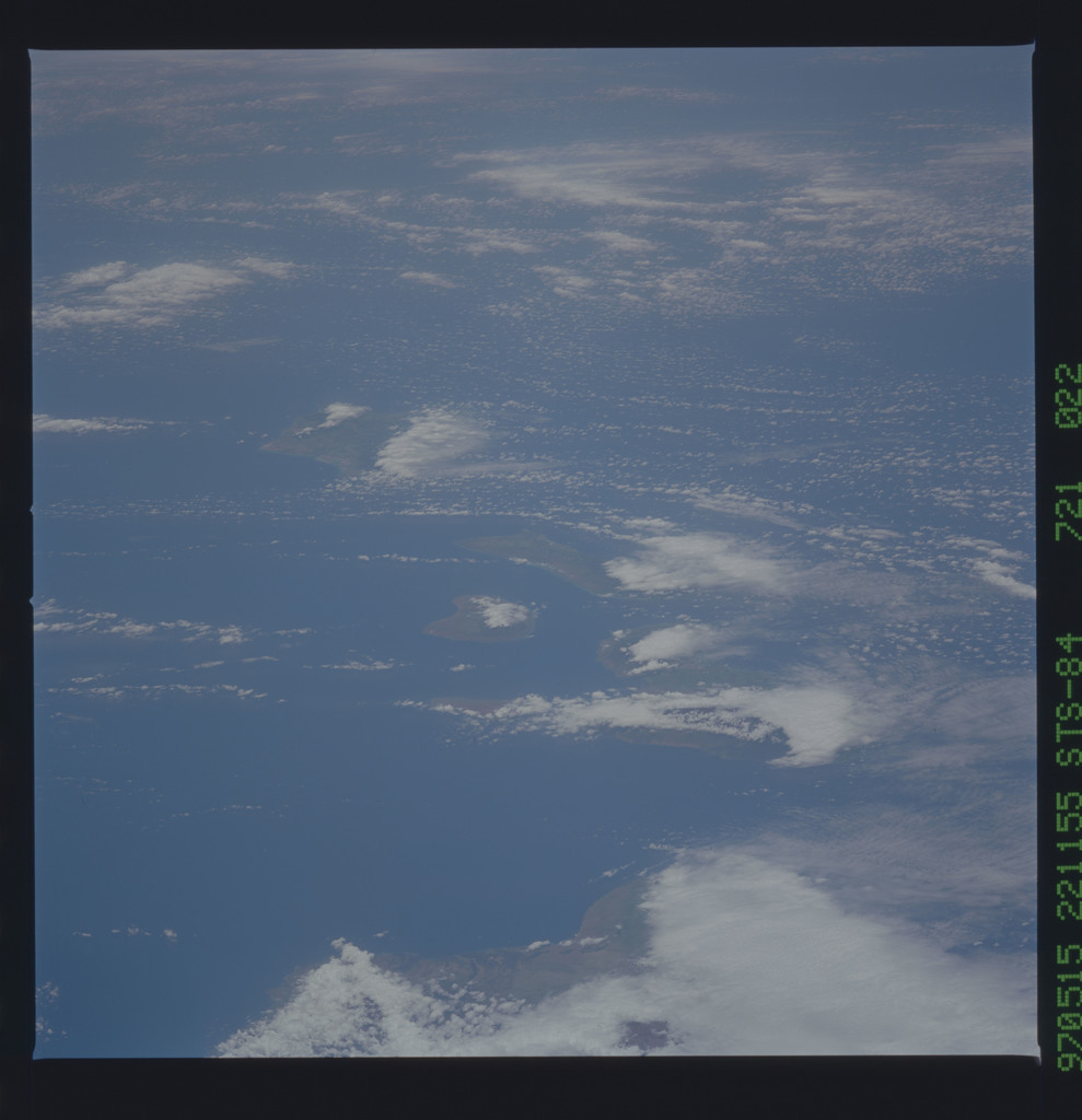 STS084-721-022 - STS-084 - Earth observations taken from shuttle orbiter Atlantis during STS-84 mission
