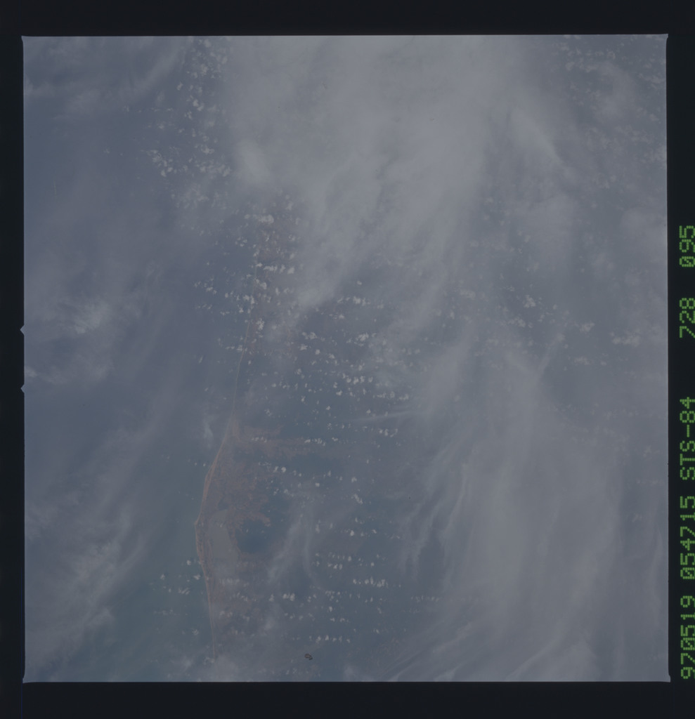 STS084-728-095 - STS-084 - Earth observations taken from shuttle orbiter Atlantis during STS-84 mission