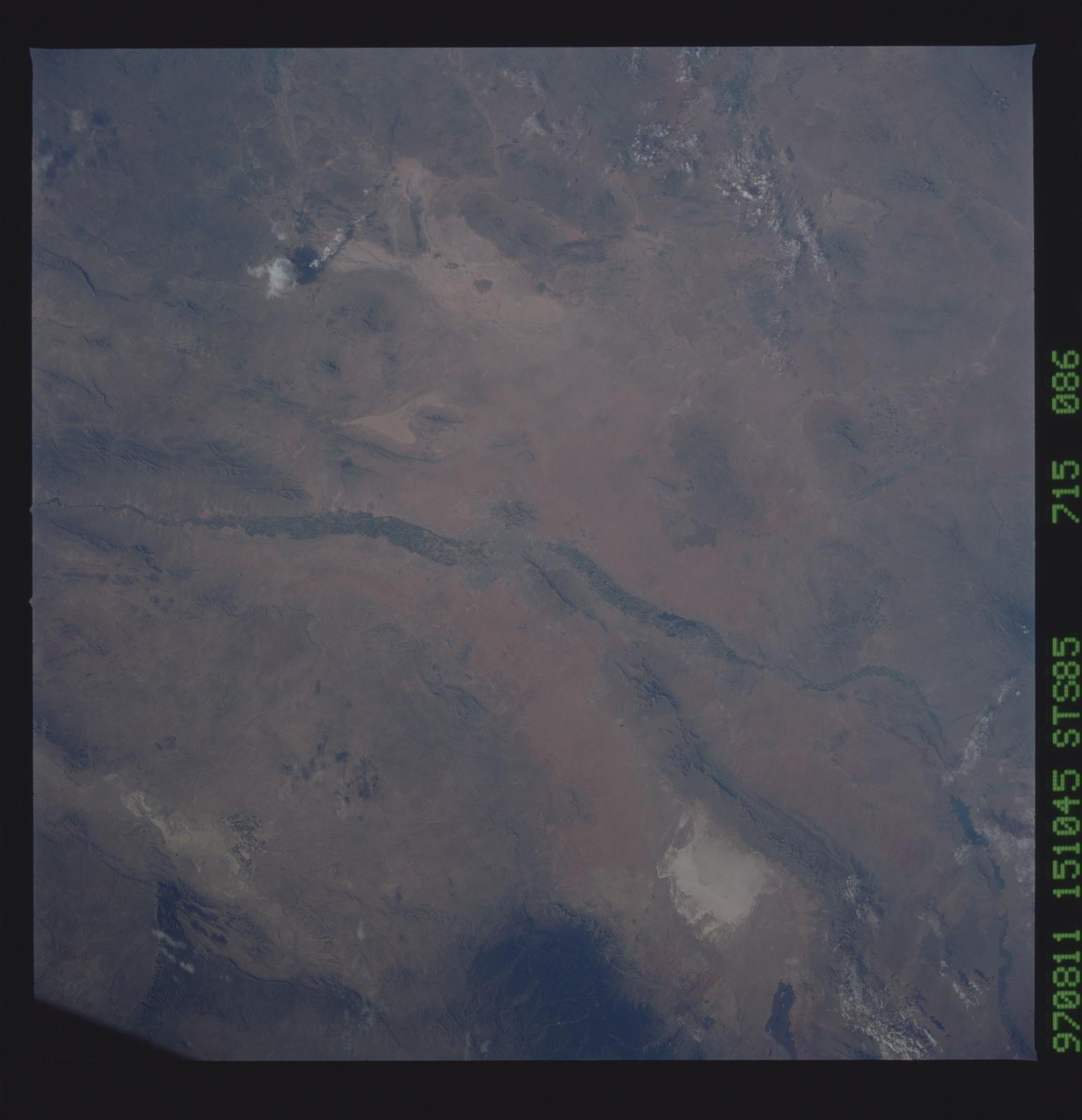 STS085-715-086 - STS-085 - Earth observations taken from orbiter Discovery during STS-85 mission