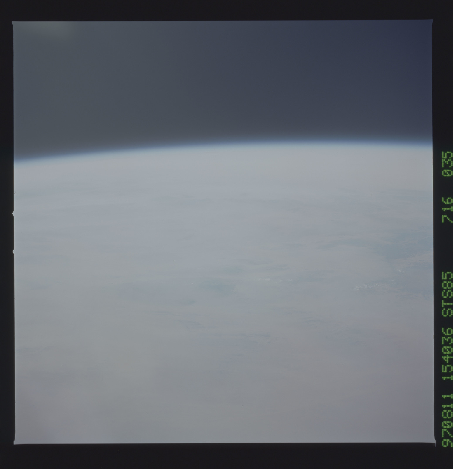 STS085-716-035 - STS-085 - Earth observations taken from orbiter Discovery during STS-85 mission