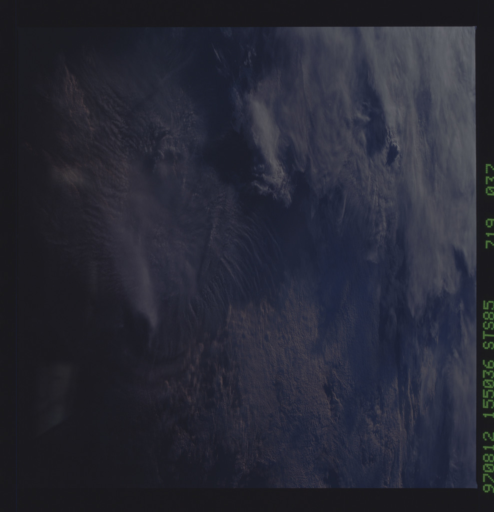 STS085-719-037 - STS-085 - Earth observations taken from orbiter Discovery during STS-85 mission