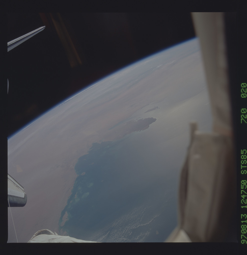 STS085-720-020 - STS-085 - Earth observations taken from orbiter Discovery during STS-85 mission