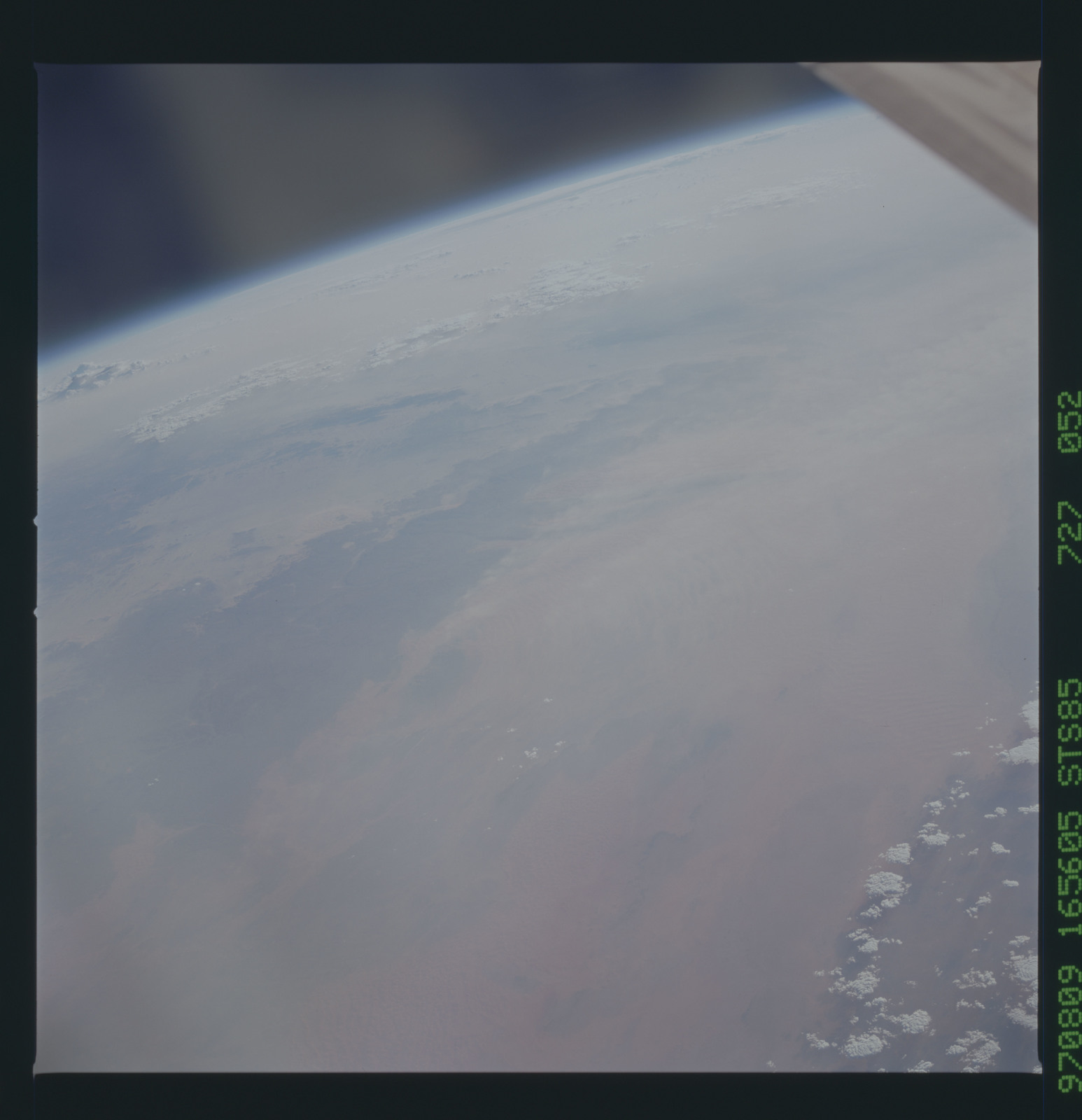 STS085-727-052 - STS-085 - Earth observations taken from orbiter Discovery during STS-85 mission