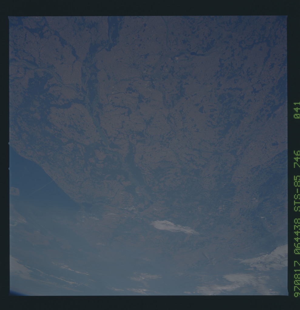 STS085-746-041 - STS-085 - Earth observations taken from orbiter Discovery during STS-85 mission