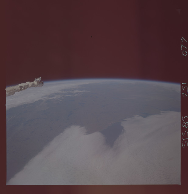 STS085-751-077 - STS-085 - Earth observations taken from orbiter Discovery during STS-85 mission