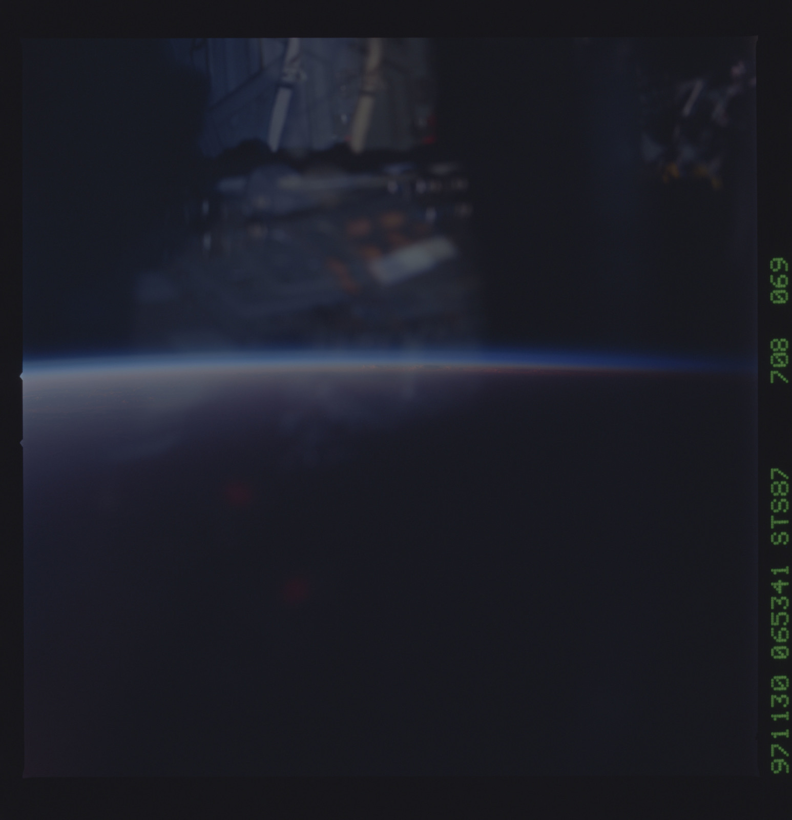 STS087-708-069 - STS-087 - Earth observations taken from shuttle orbiter Columbia during STS-87 mission