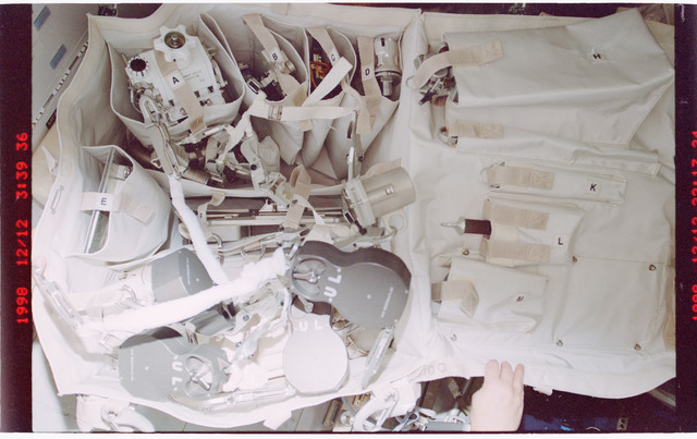 STS088-332-031 - STS-088 - View of tools to be used during EVA