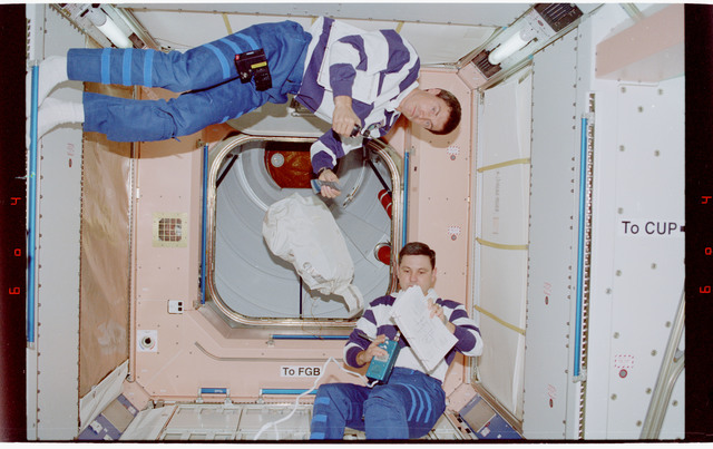 STS088-334-005 - STS-088 - View of the STS-88 crew in the Node 1/Unity module