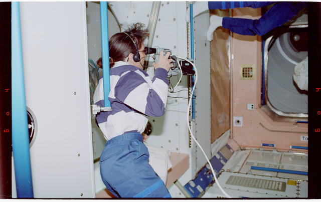STS088-334-006 - STS-088 - View of the STS-88 crew in the Node 1/Unity module