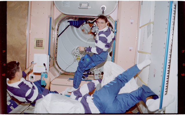 STS088-334-013 - STS-088 - View of the STS-88 crew in the Node 1/Unity module