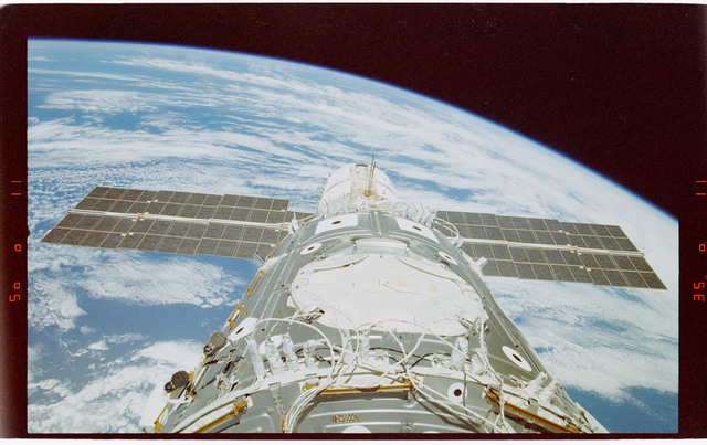 STS088-363-023 - STS-088 - View of the ISS stack in the Endeavour's payload bay