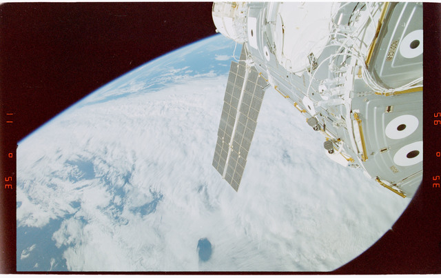 STS088-363-024 - STS-088 - View of the ISS stack in the Endeavour's payload bay