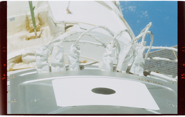 STS088-364-015 - STS-088 - View documenting items on the ISS stack