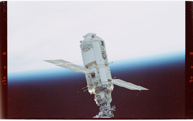 STS088-365-007 - STS-088 - View of the free-flying ISS taken during the fly-around by STS-88