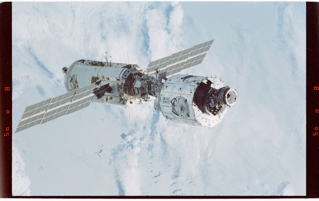 STS088-365-020 - STS-088 - View of the free-flying ISS taken during the fly-around by STS-88