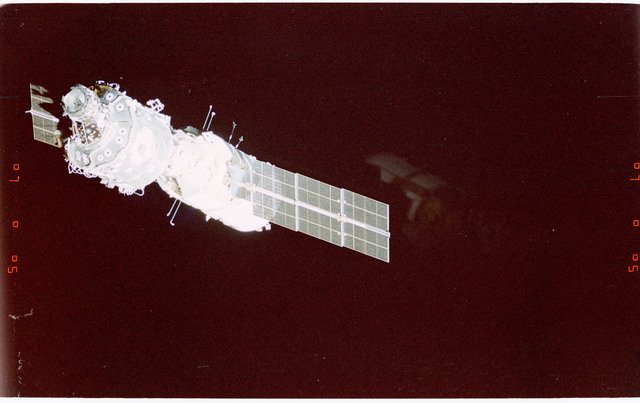 STS088-365-031 - STS-088 - View of the free-flying ISS taken during the fly-around by STS-88