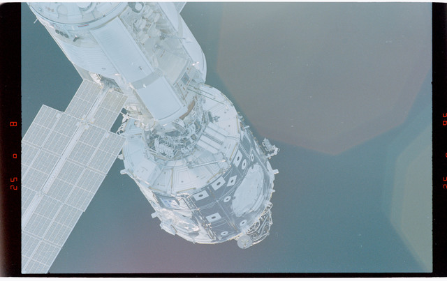 STS088-369-007 - STS-088 - View of the free-flying ISS stack taken during fly-around by STS-94