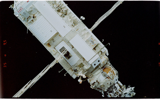 STS088-369-018 - STS-088 - View of the free-flying ISS stack taken during fly-around by STS-105