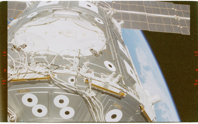 STS088-372-005 - STS-088 - View of the ISS stack in the Endeavour's payload bay
