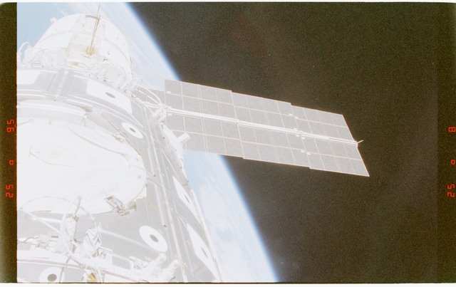STS088-372-008 - STS-088 - View of the ISS stack in the Endeavour's payload bay
